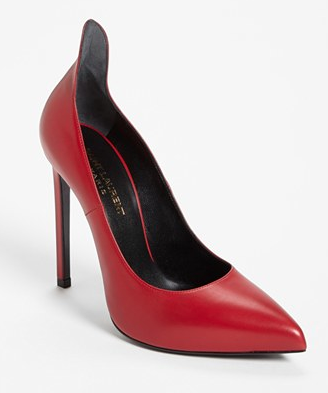 Saint Laurent 'Thorn' Pump, $685